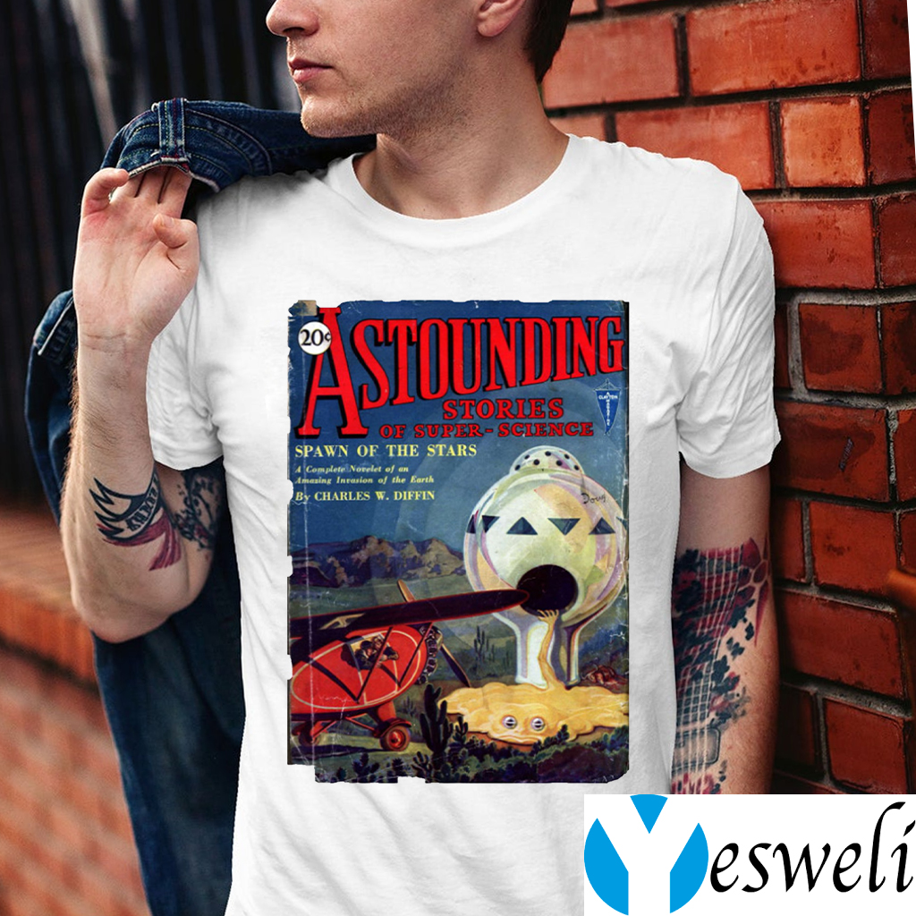 Vintage 1930's Science Fiction Futuristic Classic Comic Book Cover Artwork. T-Shirt